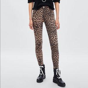 Zara leopard print jeans // high waisted